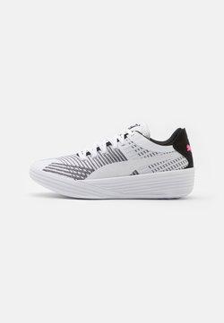 Puma - CLYDE ALL PRO - Indoorskor - white/black