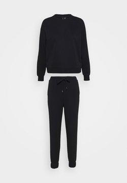 Vero Moda Petite - VMNATALIA SET - Sweatshirt - black