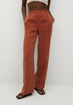 Mango - FLOWY STRAIGHT-FIT  - Spodnie materiałowe - burnt orange