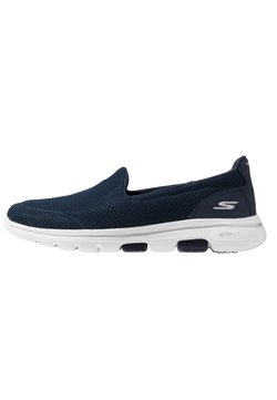 Skechers Performance - GO WALK 5 - Walking trainers - navy/white