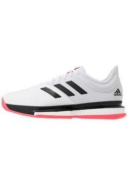 adidas Performance - SOLECOURT BOOST - Buty tenisowe na nawierzchnię ziemną - footwear white/core black/signal pink