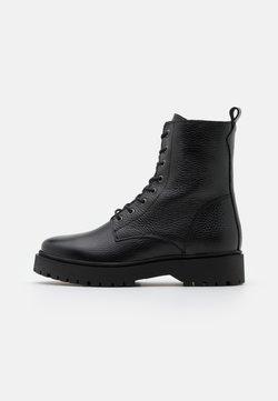 Zign - Platform-nilkkurit - black