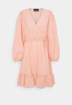 PIECES Tall - PCLOLA DRESS  - Kjole - rose cloud