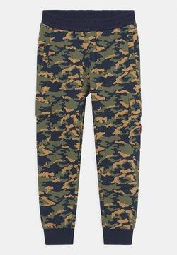 Fila - HENRY - Pantalones - green