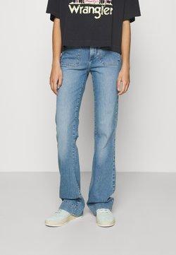 Wrangler - Jeans a zampa - dusty mid