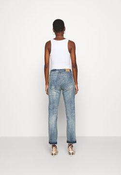 Cream - SAVANNA BAIILY - Jeans baggy - denim blue