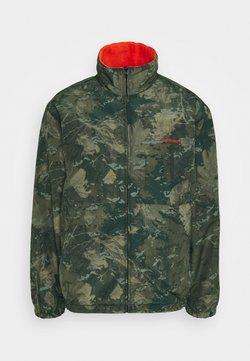 Carhartt WIP - DENBY REVERSIBLE JACKET - Summer jacket - camo combi/safety orange