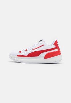 Puma - CLYDE HARDWOOD TEAM - Indoorskor - white/high risk red