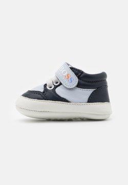 BOSS Kidswear - Chaussons pour bébé - navy