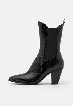 NA-KD - ELASTIC DETAIL BOOTS - Cowboy-/Bikerlaarsjes - black