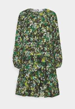 Marc O'Polo PURE - DRESS CASCADES - Freizeitkleid - green