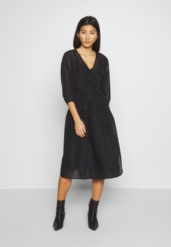 Love Copenhagen - MIALC DRESS - Freizeitkleid - pitch black