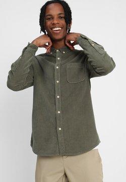Urban Classics - CORDUROY - Skjorte - olive