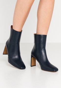LAB - High Heel Stiefelette - volga marino