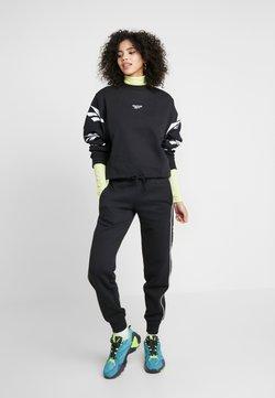 Reebok Classic - LINEAR PANT - Jogginghose - black