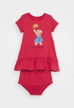 Polo Ralph Lauren - BEAR DRESS  - Vestido ligero - nantucket red