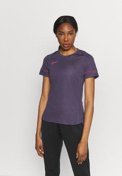 Nike Performance - T-Shirt print - dark raisin/siren red