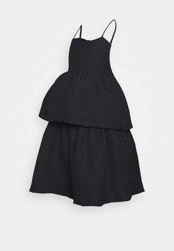 Glamorous Bloom - TIEREDWOW STRAPPY OPEN BACK DRESS - Juhlamekko - black