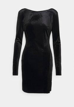 Nly by Nelly - SPLIT DRESS - Vestido de tubo - black