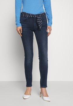 Marc O'Polo - DENIM TROUSER MID WAIST SLIM LEG REGULAR LENGTH BELT SCARF - Jeans slim fit - dark blue wash