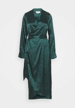 Never Fully Dressed Tall - LEOPARD LONGSLEEVE WRAP DRESS - Maxiklänning - emerald