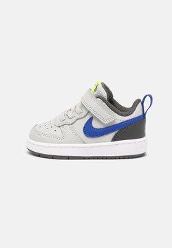 Nike Sportswear - COURT BOROUGH LOW 2 UNISEX - Sneakers - grey fog/game royal/iron grey/volt