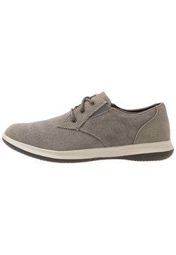 Skechers - DARLOW - Sneakers laag - taupe