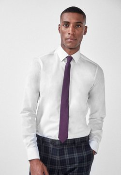 Next - WHITE SLIM FIT SHIRT WITH TRIMMED DETAIL AND TIE SET - Hemd - white