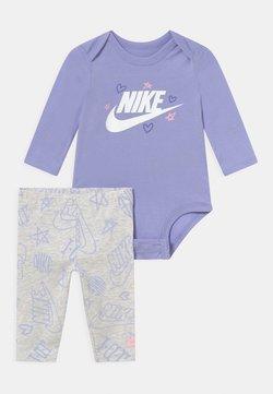 Nike Sportswear - SET - Leggings - birch heather