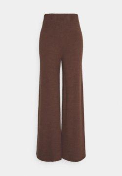 NA-KD - NA-KD X ZALANDO EXCLUSIVE - FLUFFY PANTS - Bukse - nougat