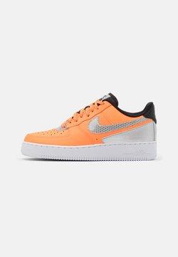 Nike Sportswear - AIR FORCE 1 '07 LV8 3M UNISEX - Sneaker low - total orange/metallic silver/black