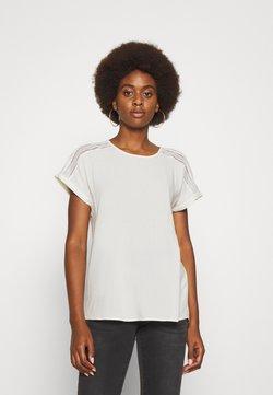 Vero Moda Tall - VMNADS - T-shirt z nadrukiem - snow white