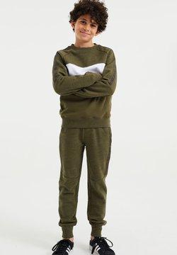 WE Fashion - MET TAPEDETAIL - Verryttelyhousut - olive green