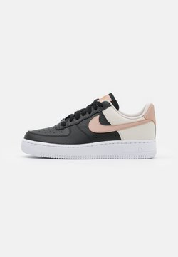 Nike Sportswear - AIR FORCE 1 - Sneaker low - black/metallic red bronze/light orewood brown/white