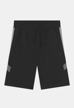 Nike Sportswear - ELEVATED TRIM - Shortsit - black/iron grey/light smoke grey