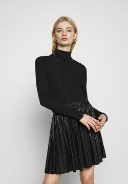 Even&Odd - Langærmede T-shirts - black