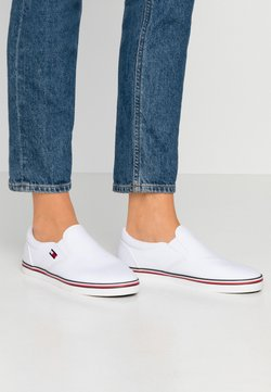 Tommy Jeans - ESSENTIAL SLIP ON SNEAKER - Loafers - white