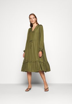 Selected Femme - SLFCALLIE DAMINA MIDI DRESS  - Sukienka letnia - winter moss
