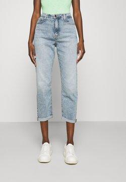 Calvin Klein - BOYFRIEND - Jeans baggy - denim light