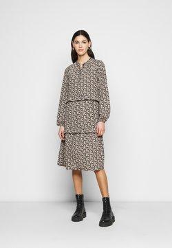 Vero Moda Tall - VMSIRI DRESS - Hverdagskjoler - black