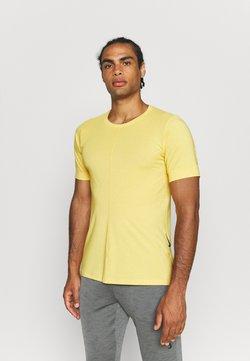 Nike Performance - T-Shirt basic - dark sulfur/pale vanilla/black