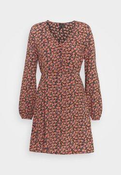 Vero Moda - VMMILDA SHORT DRESS - Sukienka letnia - black/coral