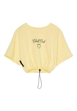 Bershka - BEDRUCKTES SAMT-SHIRT - T-Shirt print - yellow