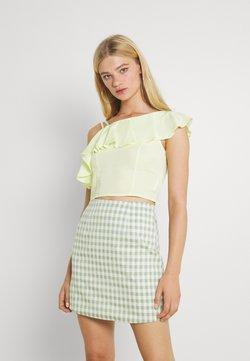 Trendyol - SARI - T-shirt con stampa - yellow