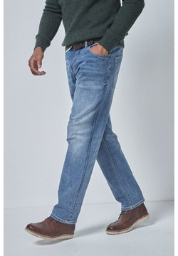 Next - LIGHT BLUE STRAIGHT FIT BELTED JEANS WITH STRETCH - Jeans Straight Leg - blue