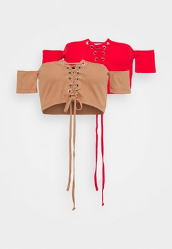 Missguided - BARDOT LACE UP CROP 2 PACK - T-Shirt print - camel/red