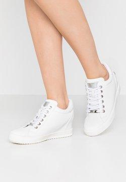 XTI - Baskets montantes - white