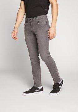 Wrangler - GREENSBORO - Straight leg jeans - grey denim