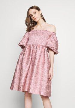 Sister Jane - RIPPLE JACQUARD MINI DRESS - Vestido de cóctel - pink