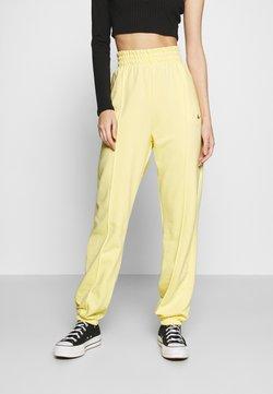 Nike Sportswear - PANT  - Jogginghose - bicycle yellow